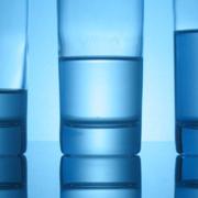 Mineralwasser Gläser