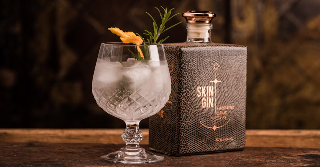 Skin Gin Flasche Glas
