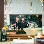 Botucal_nightshaving_Bartender
