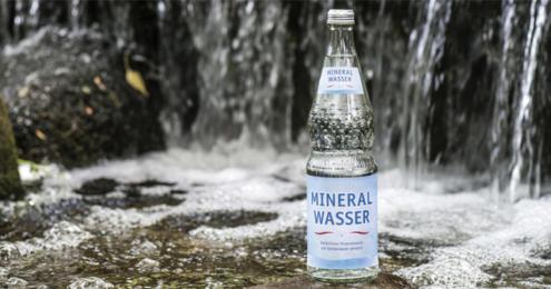 Mineralwasser Flasche Quelle