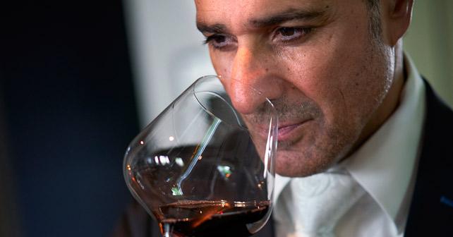 Wein-Sommelier Rakhshan Zhouleh