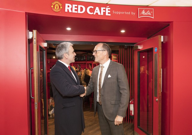 melitta-manchester-united-red-cafe