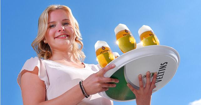 Veltins Bier Kellnerin Tablett