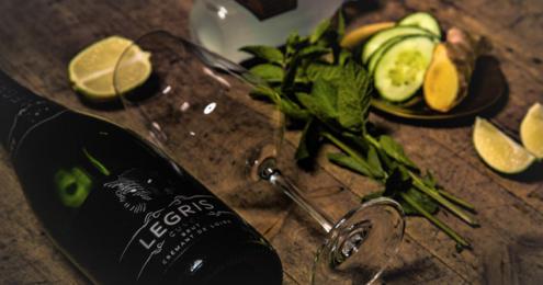 Legris Cremant Cuvée Brut und Zutaten für einen Drink