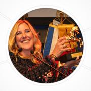 Catharina Cramer erhält das Goldene Karussellpferd