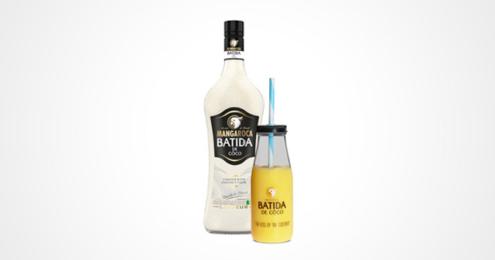 Batida de Coco Flasche und cocktail-Becher