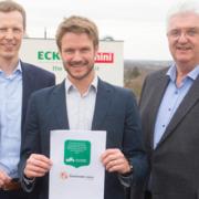 unterzeichnete Nachhaltigkeits-Verpflichtung mit Vorstand