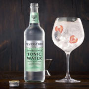500-ml-Großflasche des Fever-Tree Elderflower Tonic Waters
