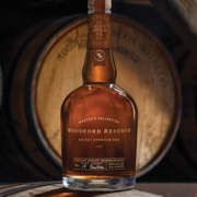 Woodford Reserve Select American Oak Flasche auf Fass