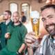 Brauerei Hoepfner Mann mit Bier in der Hand