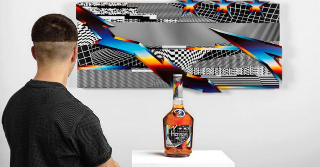 Hennesy Felipe Pantone