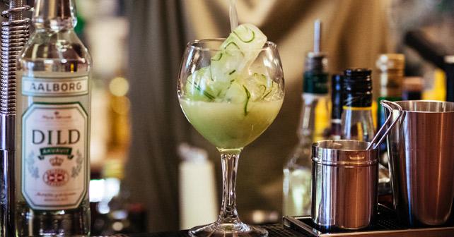 Bartender Holger Spitzki mixt mit dänischem Dill-Flavour - about-drinks.com