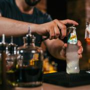 Schweppes Bartender