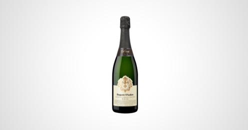 segura viudas wine with organic grapes