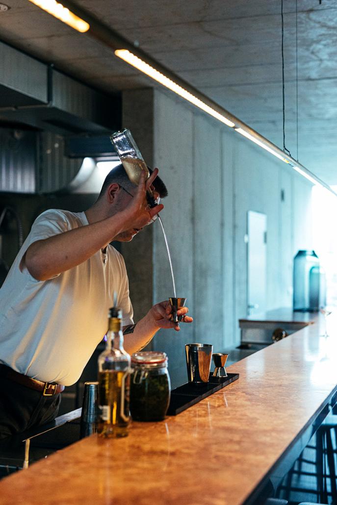 barkeeper armin hagenhenrich