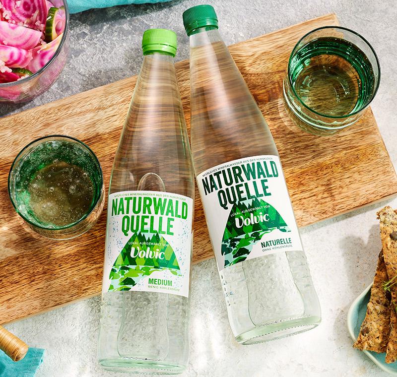 mineralwasser naturwald quelle volvic
